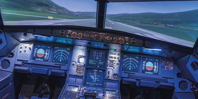I vantaggi dei simulatori di volo per compagnie aeree e scuole di volo
