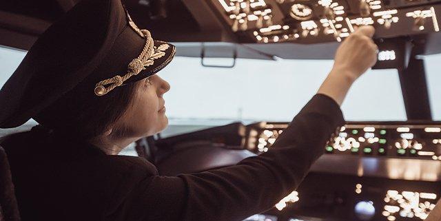 Obiettivo crescita quota di donne pilota di aereo
